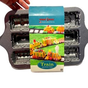Nordic Ware Platinum Collection Train Pan
